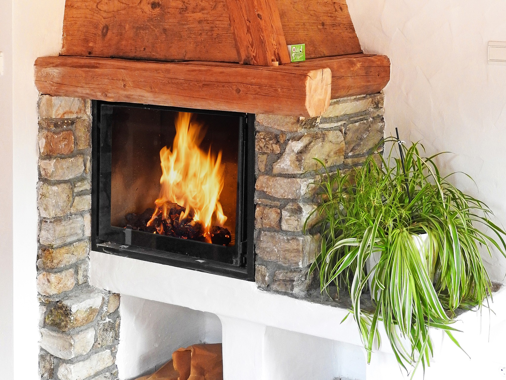 Chalet Carella - fireplace