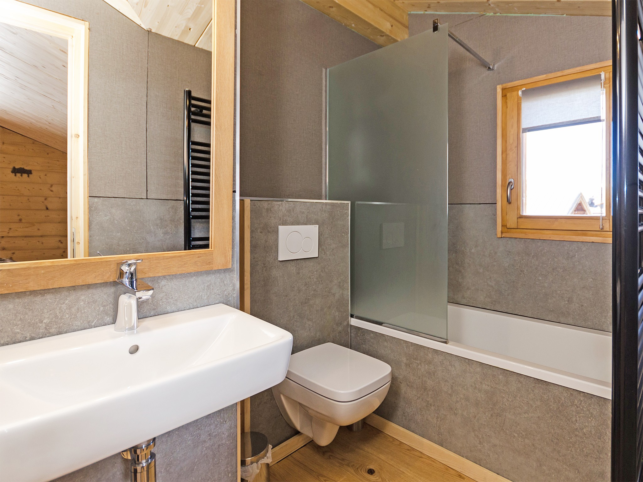 Chalet de Pierre - bathroom