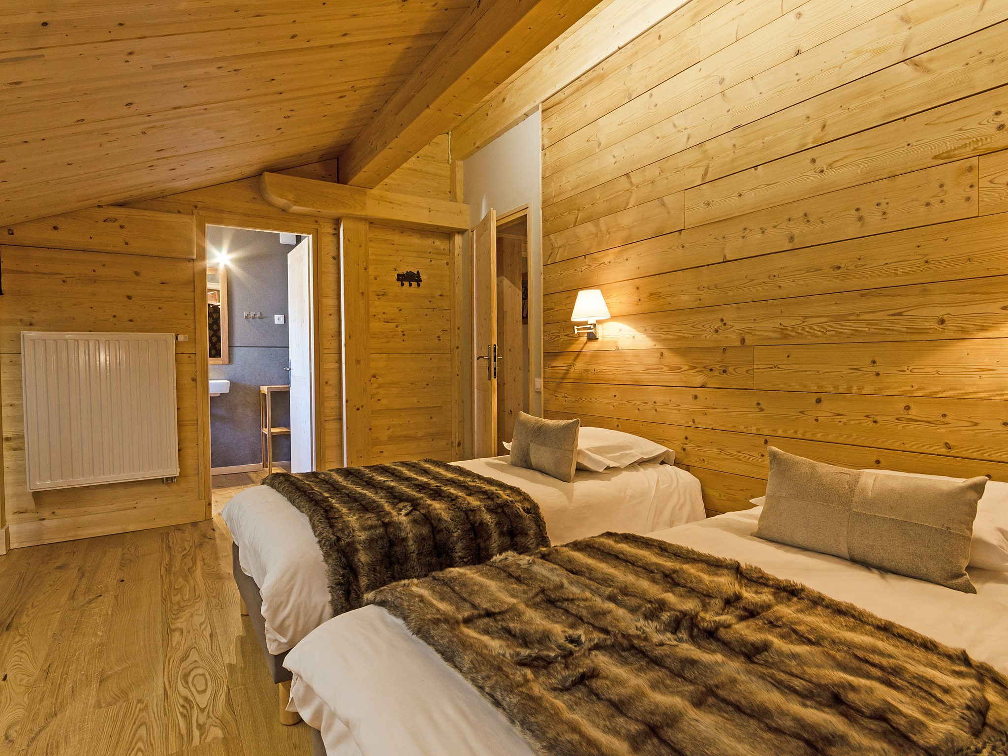 Chalet de Pierre - bedroom