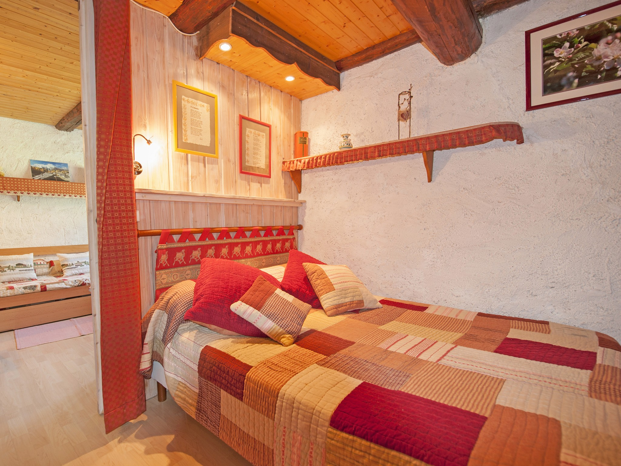 Chalet Vieux Moulin - bedroom