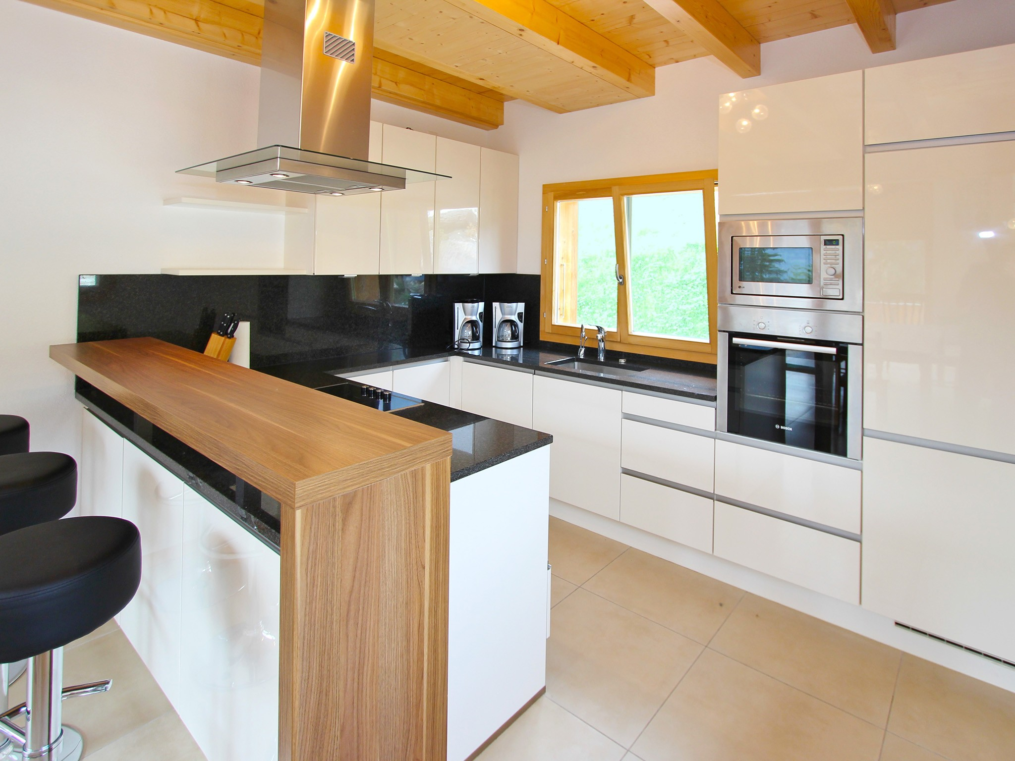 Chalet Chaud - kitchen