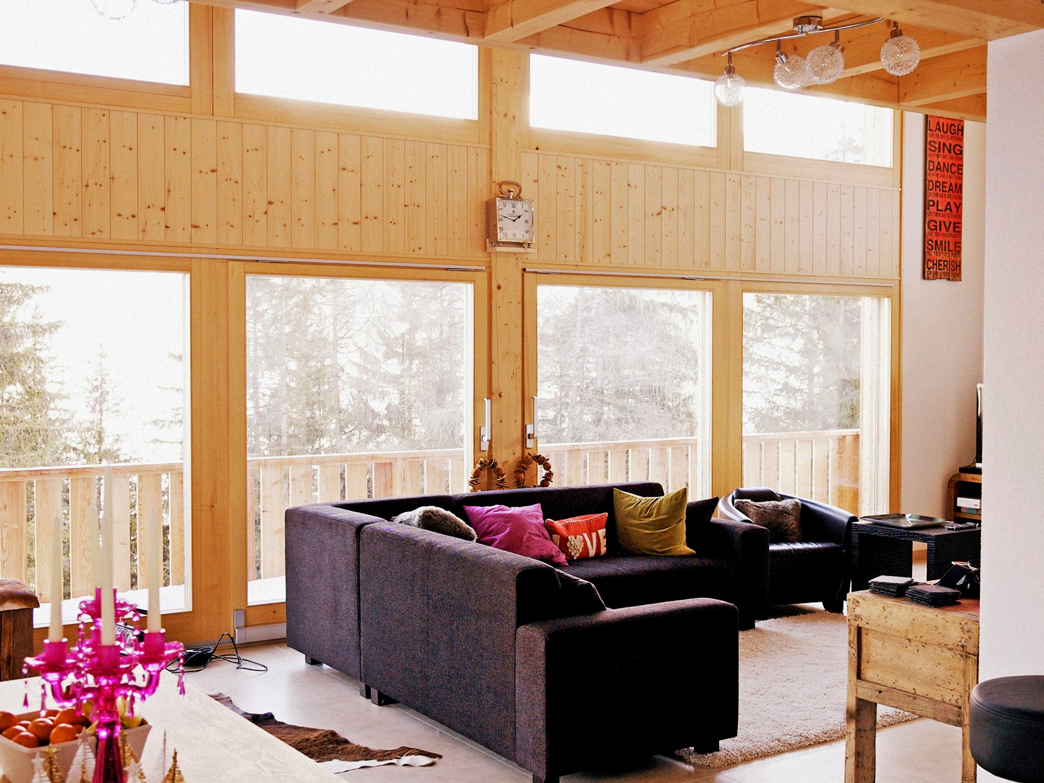 Chalet Chaud - living room