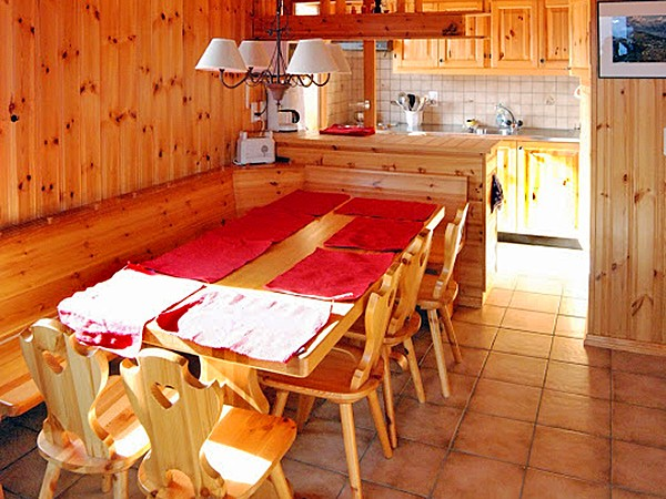 Chalet Collons CMR01 - dining area