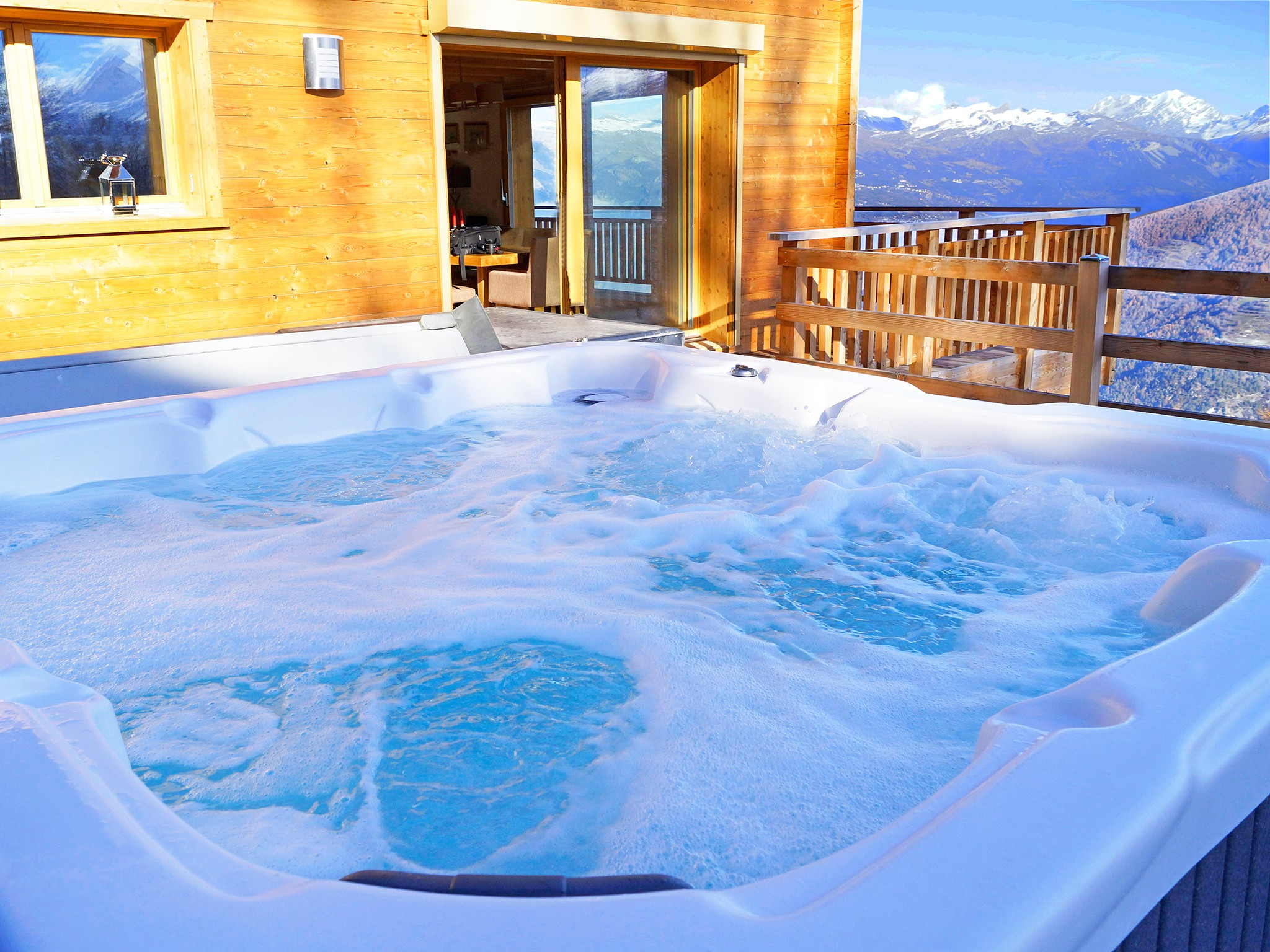 Chalet Brock - outdoor jacuzzi