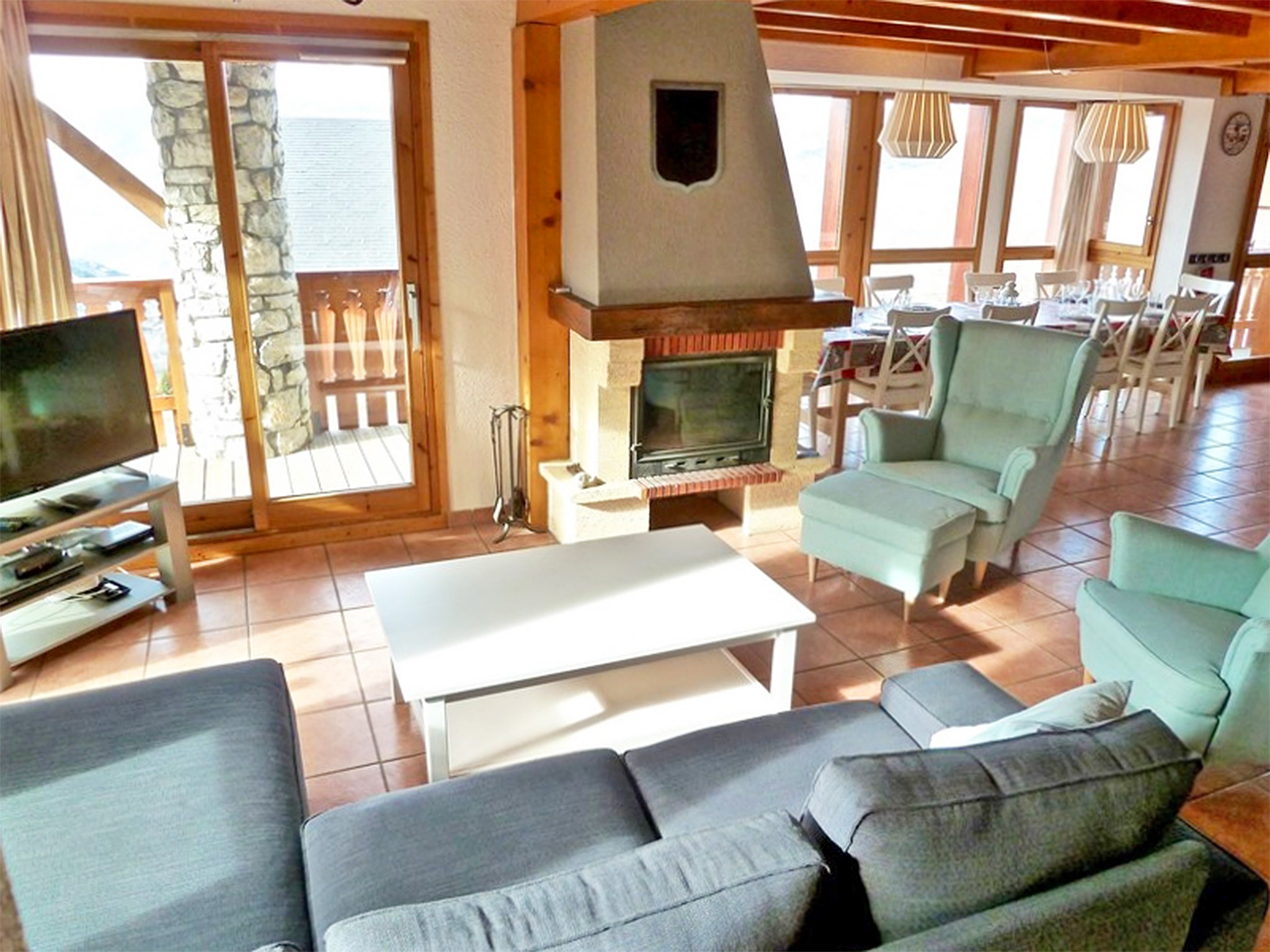 Chalet de Bellecôte Hunting Lodge - living room