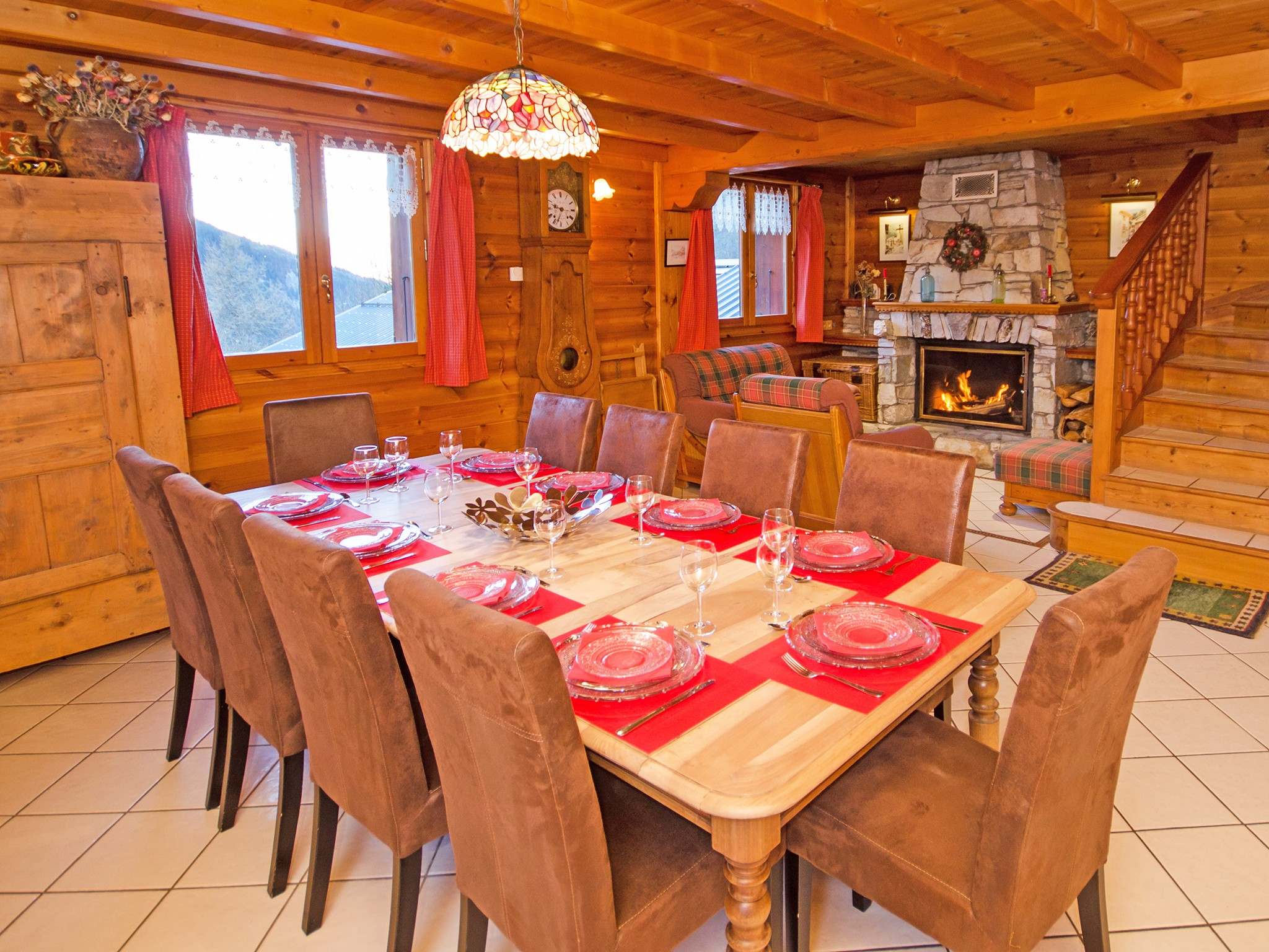 Chalet d'Alfred - dining area
