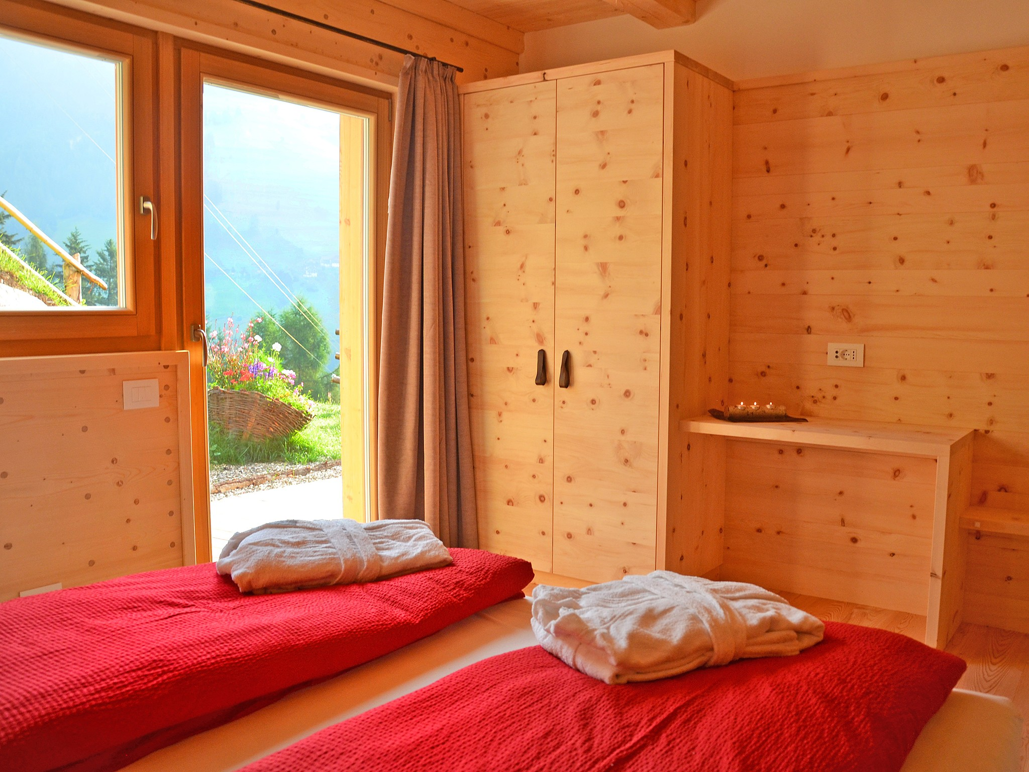 Dolomiti-Lodge - bedroom