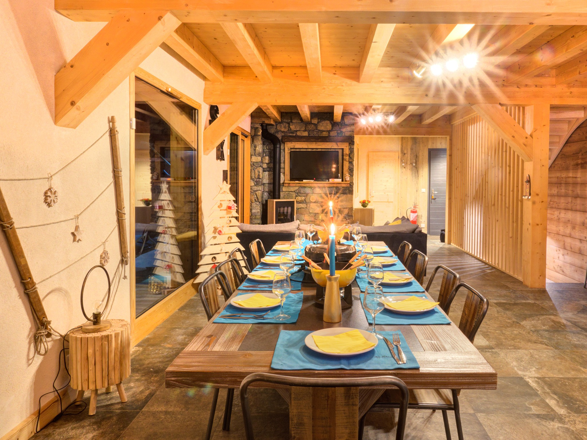 Chalet Ski Dream - dining area