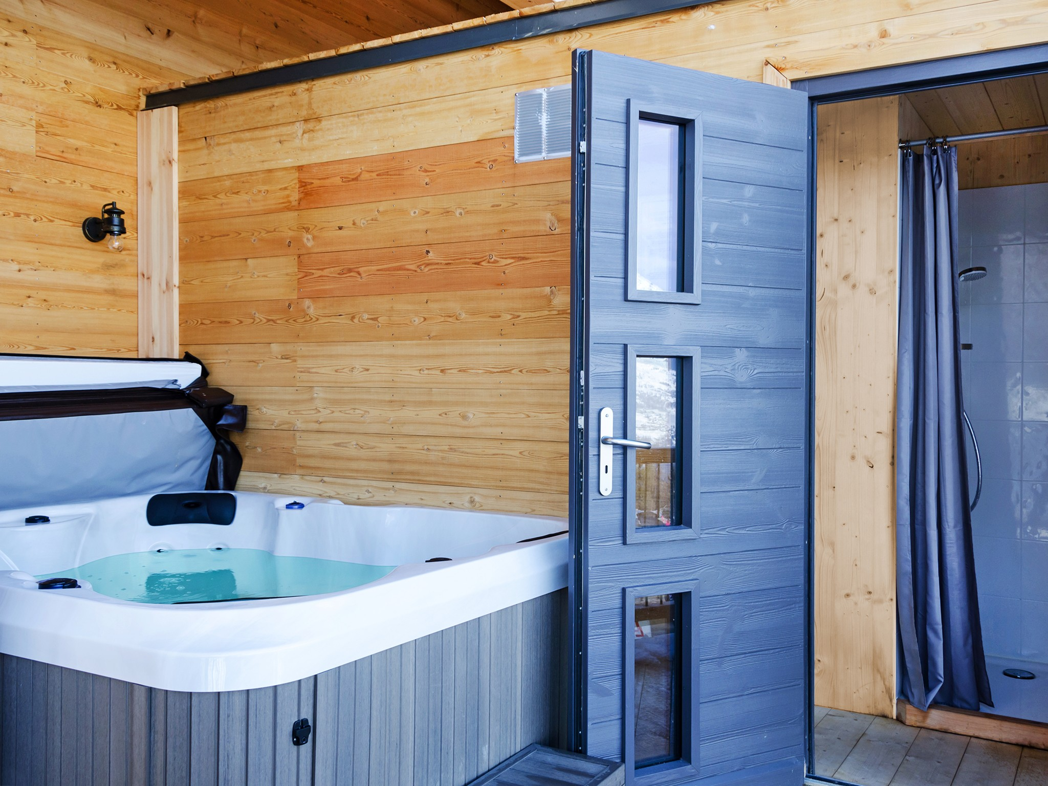 Chalet Paradise Star - outdoor jacuzzi