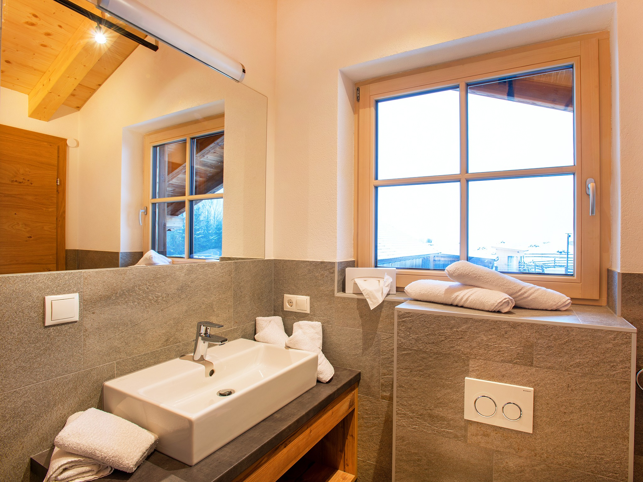 Zillertal Star Chalet - bathroom