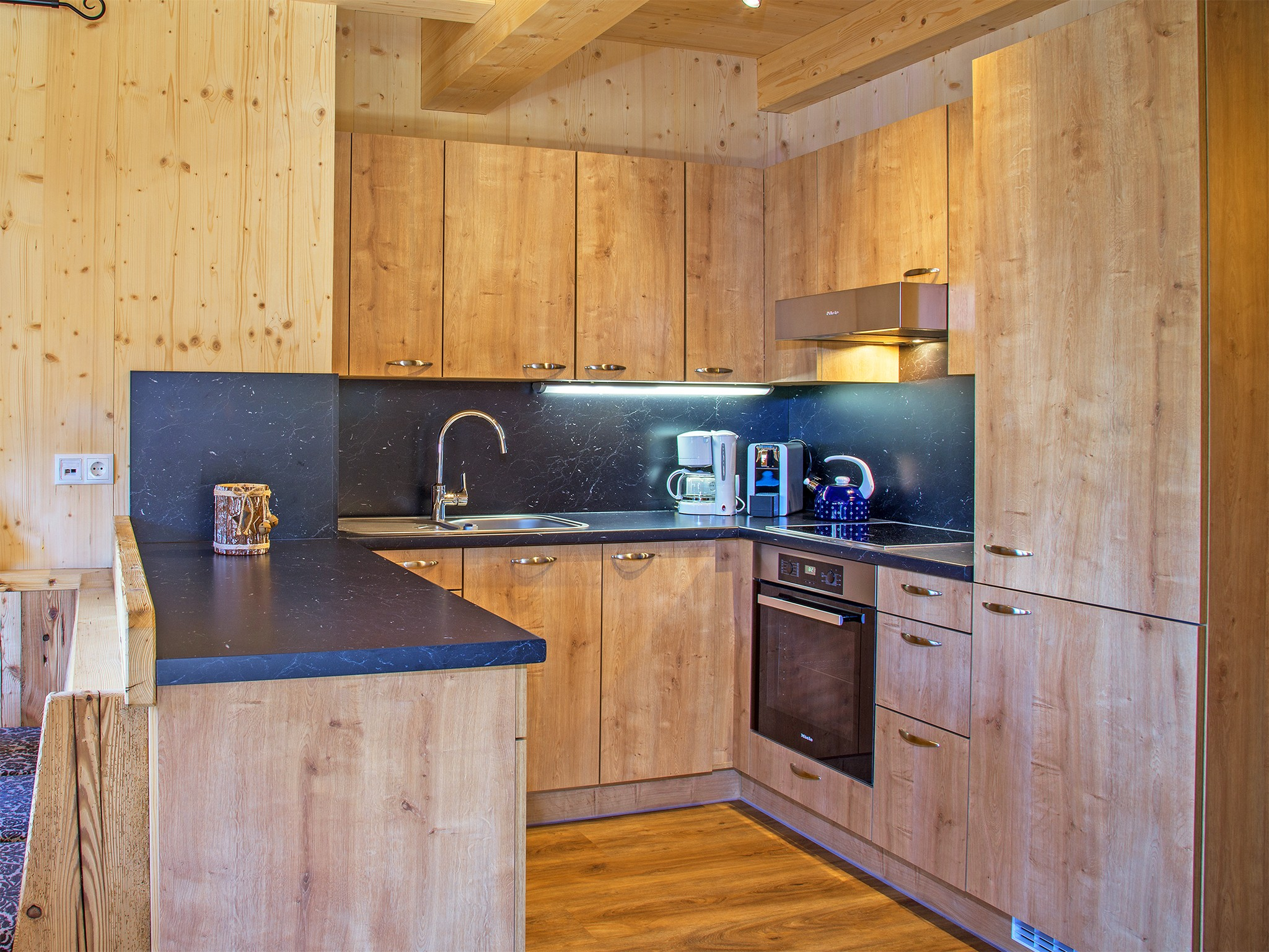 Zillertal Star Chalet - kitchen