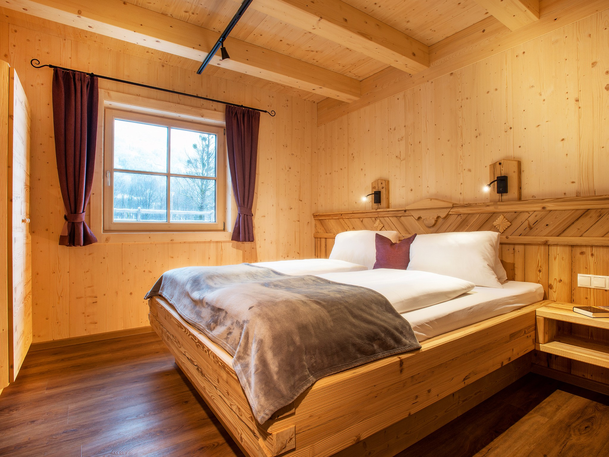 Zillertal Star Chalet - bedroom