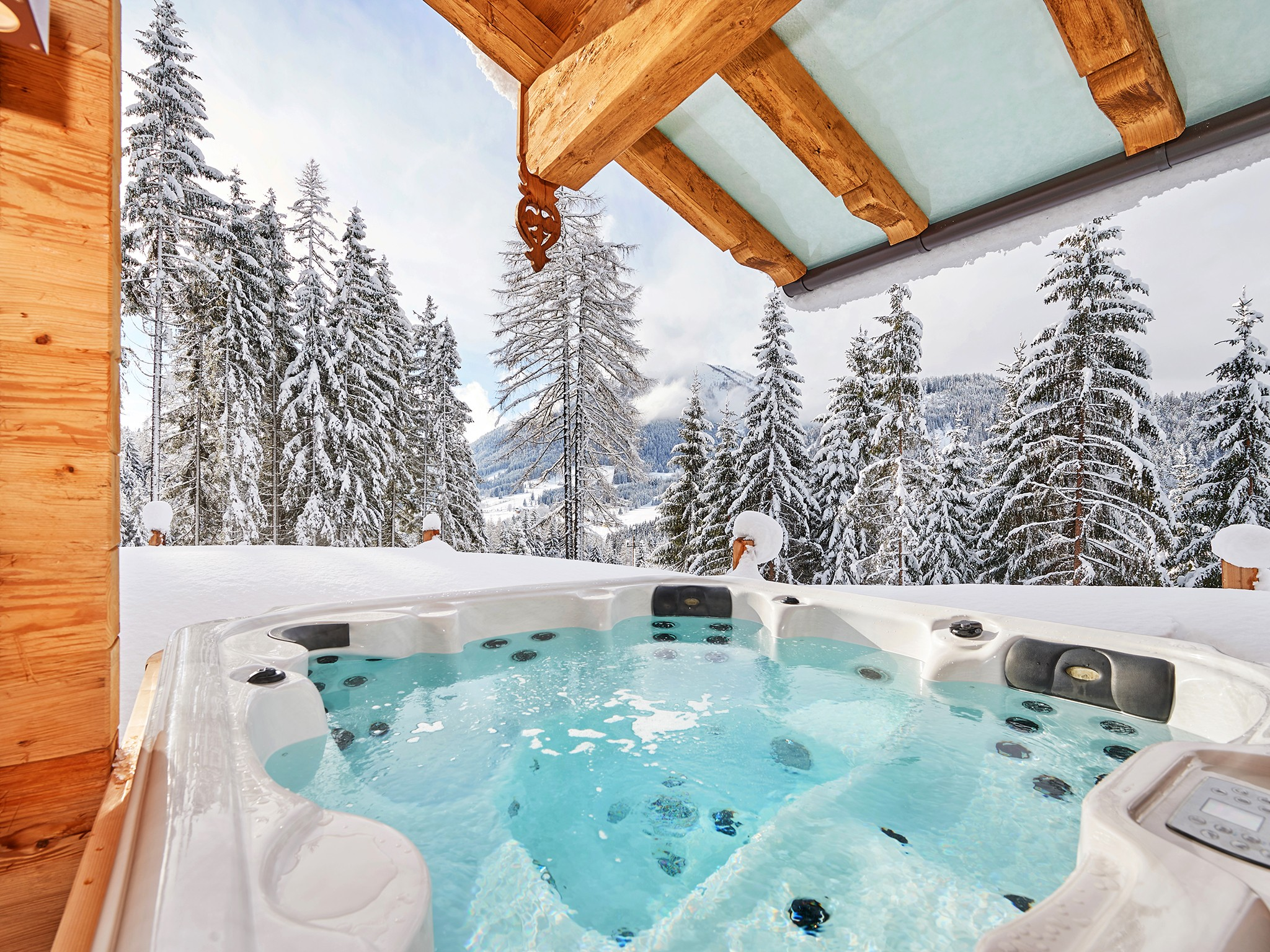 Dachstein Lodge - outdoor jacuzzi