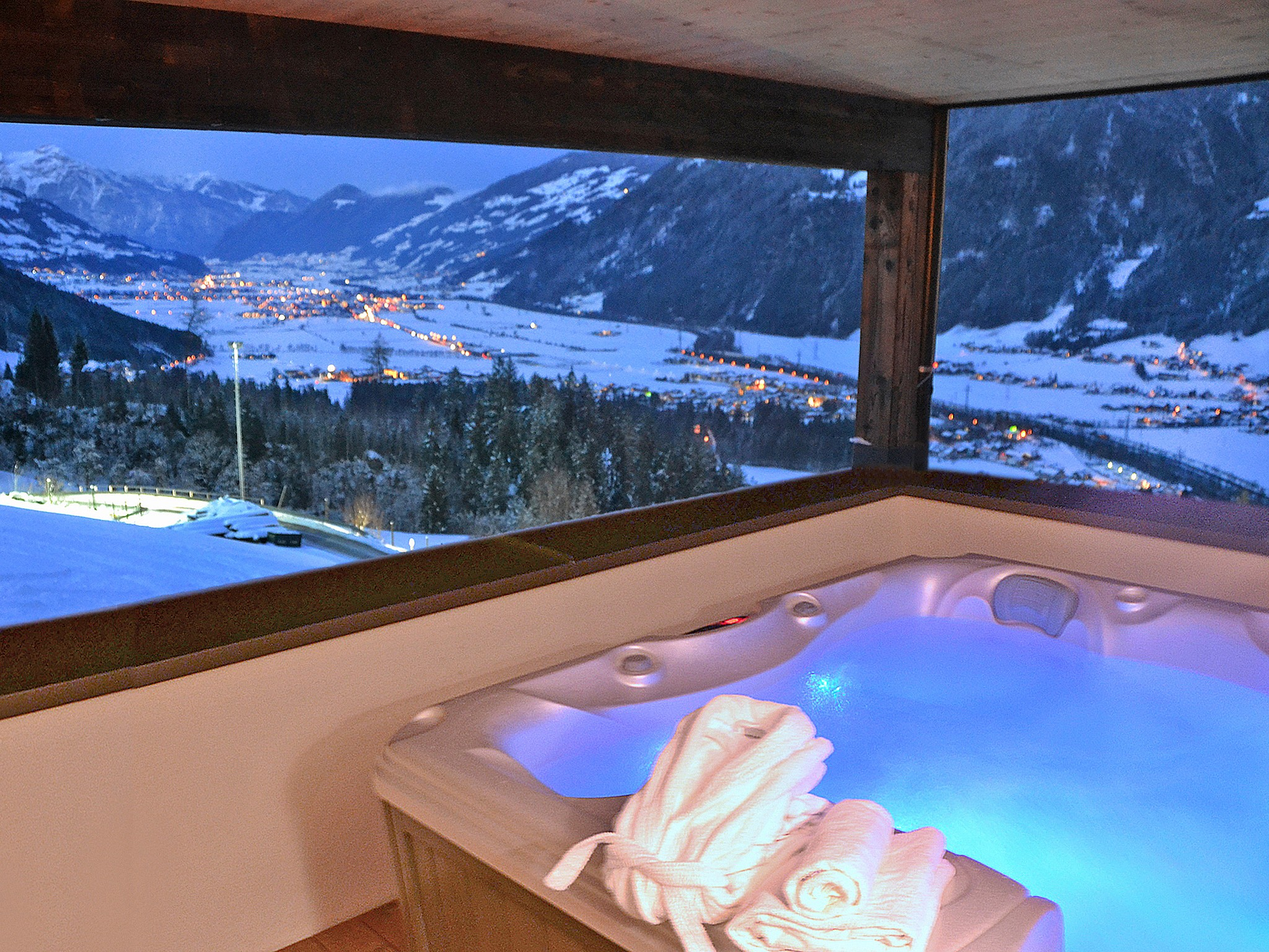 Spa Lodge Zillertal 2 - panoramic view