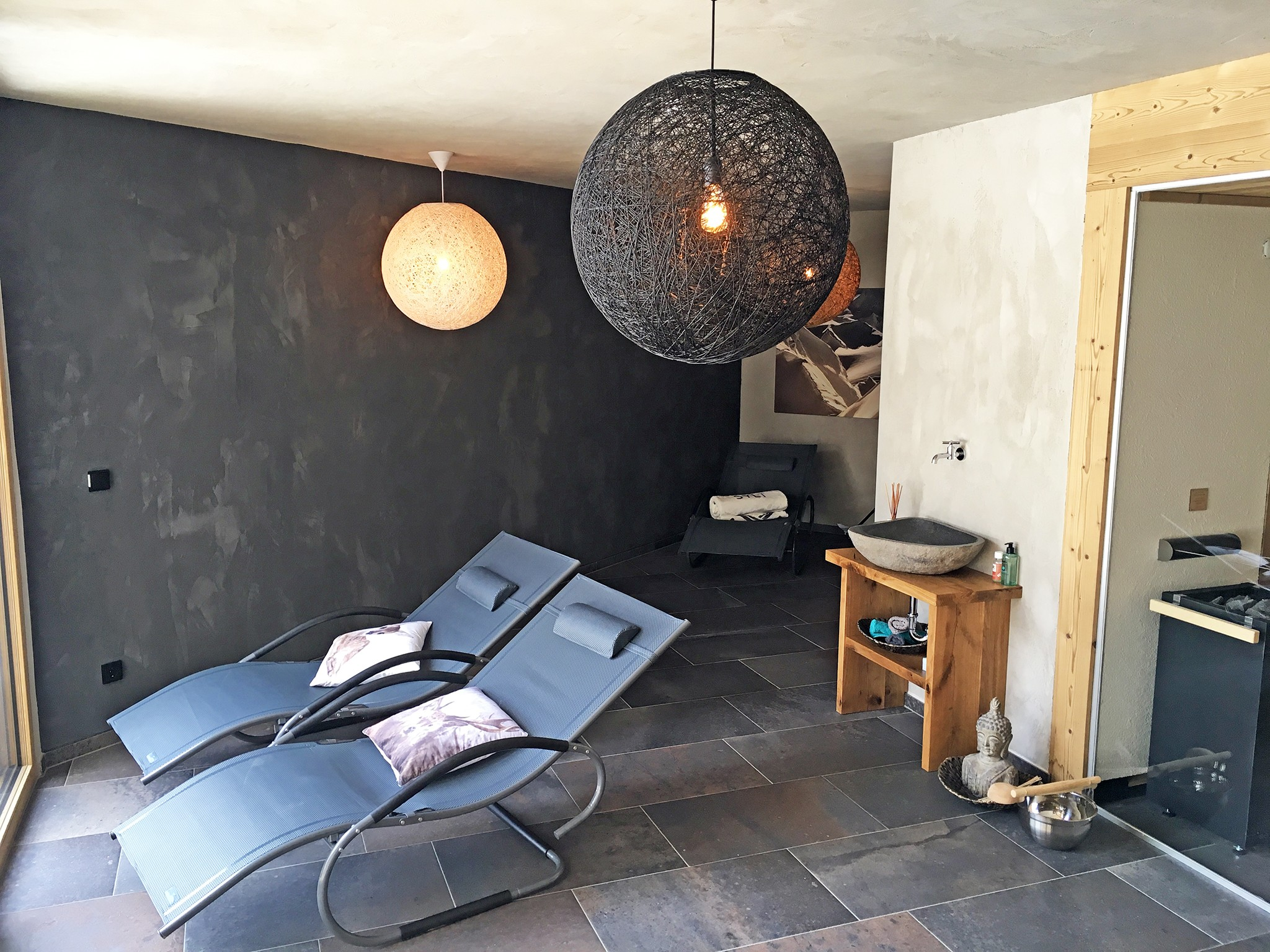 Alpine Luxury Lodge Zugspitze - spa area