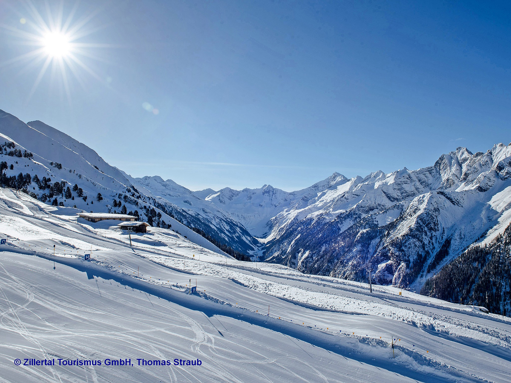 Zillertal-Early-Morning-Sking-Tourismus-Gmbh