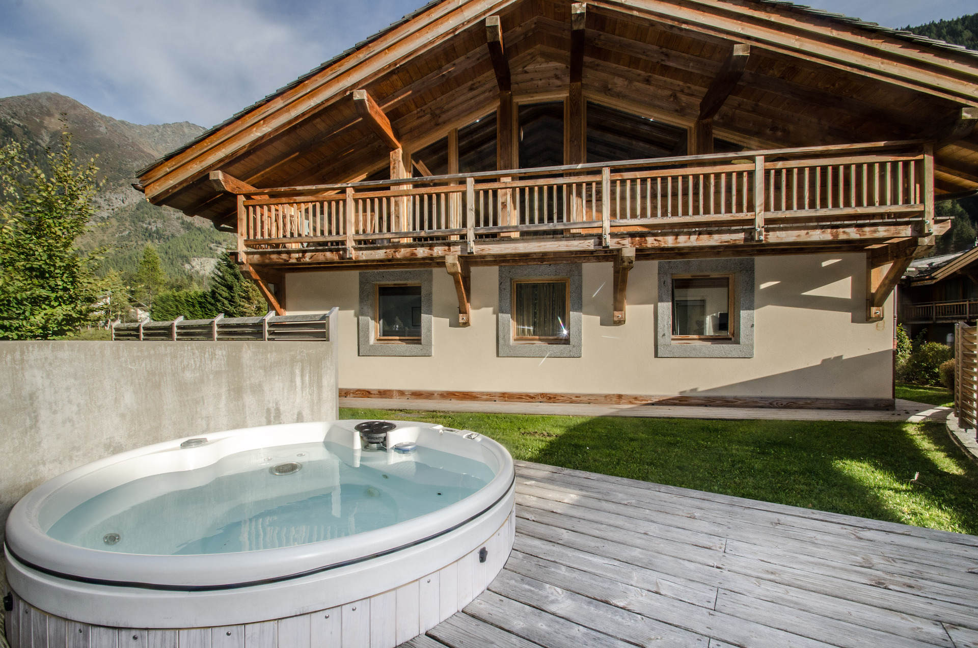 Chalet Gaia - outdoor jacuzzi
