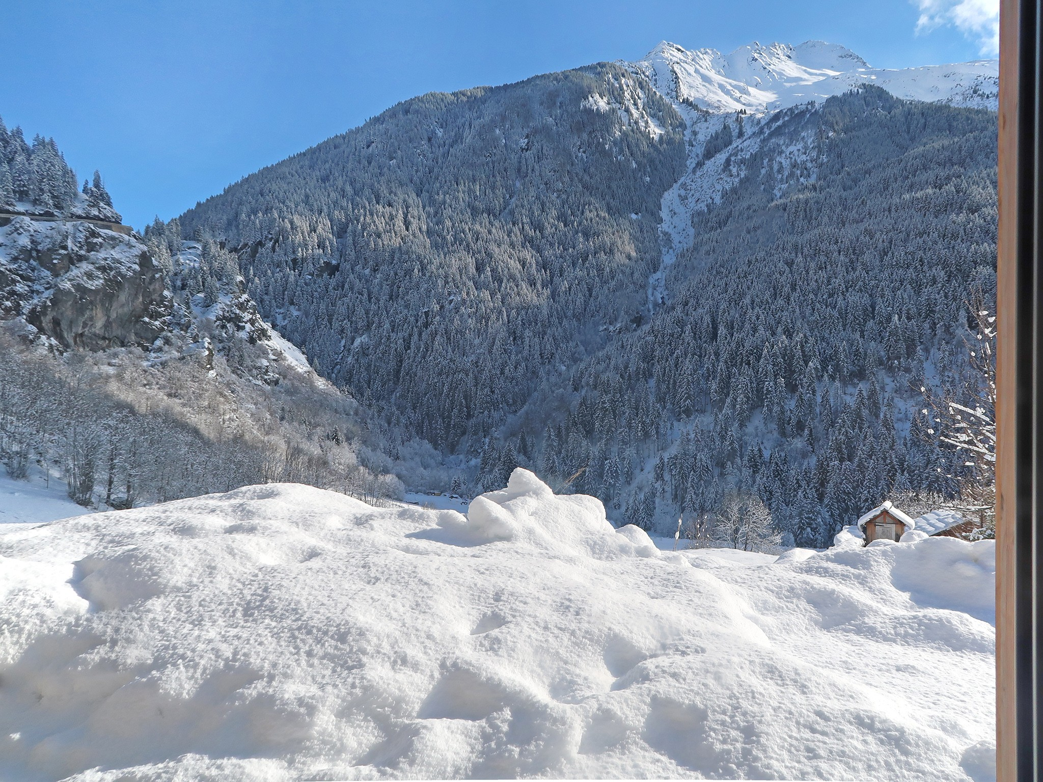 Mountain-Paradise-Panoramablick-Winter-B