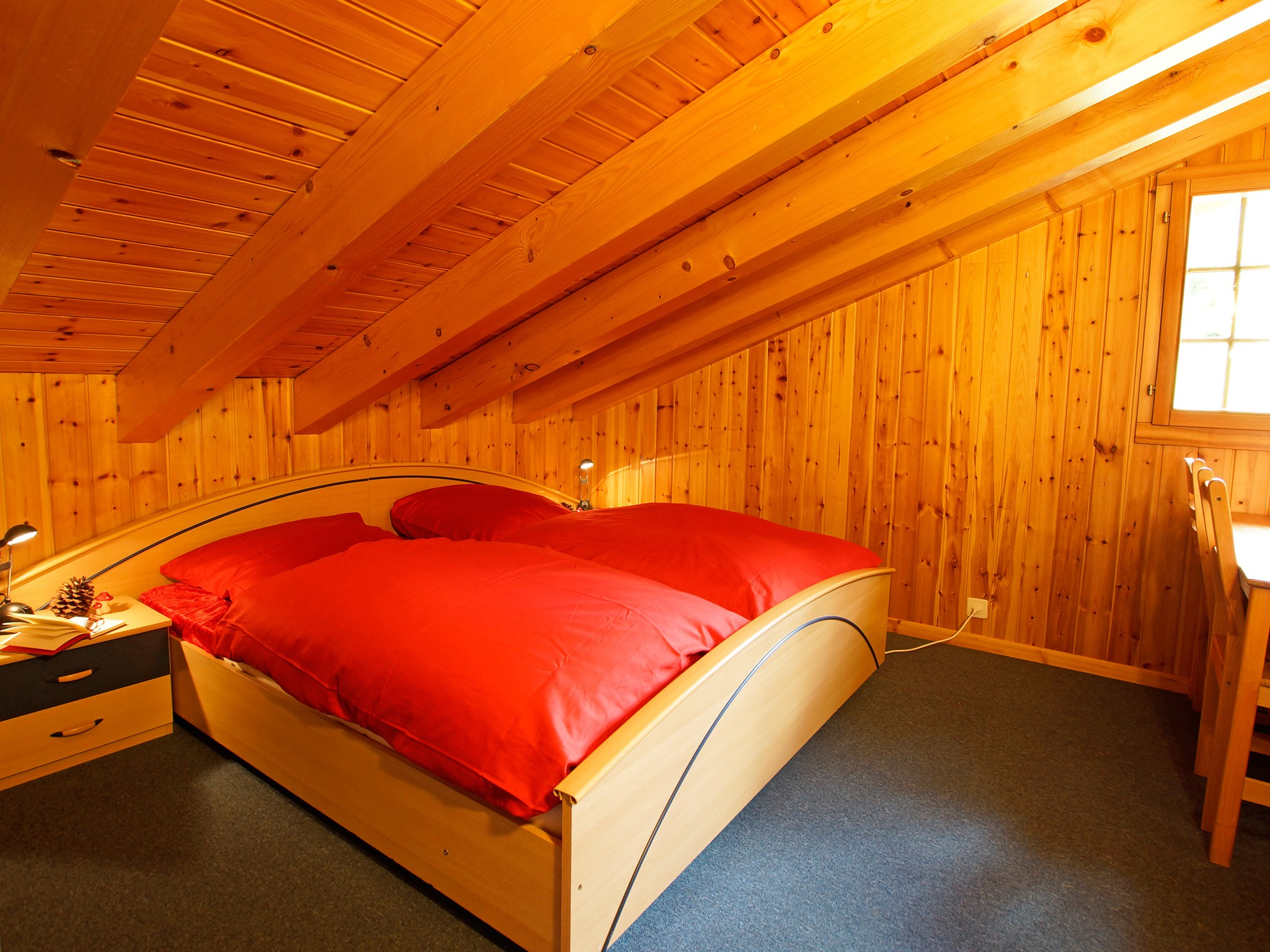 Chalet Alpina - bedroom